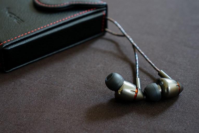 auriculares-en-la-oreja-1More-Quad-Driver