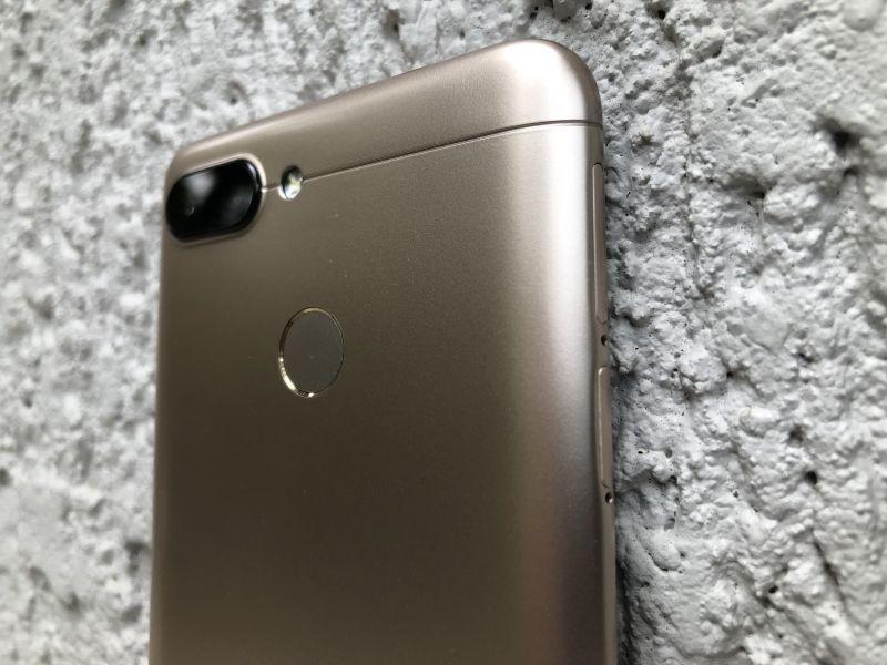Xiaomi-Redmi-6-smartphone