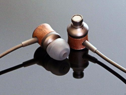 auricular-meze-12-classics